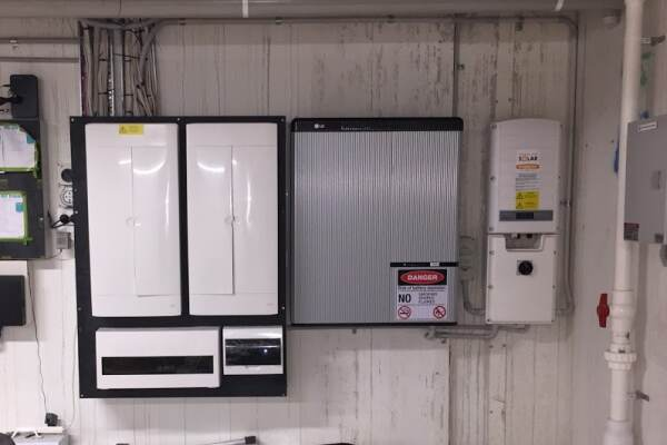 Complete Solar and Battery Stsytem